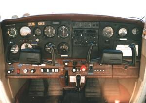 Cessna 152 repülőgép műszerfala forrás: http://hampage.hu